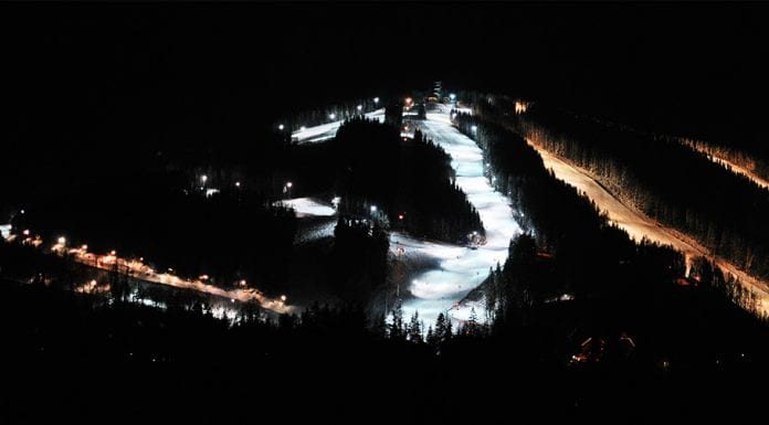 Skiing at night in Semmering.