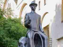 Franz Kafka monument in Prague captures writer's trademark alienation