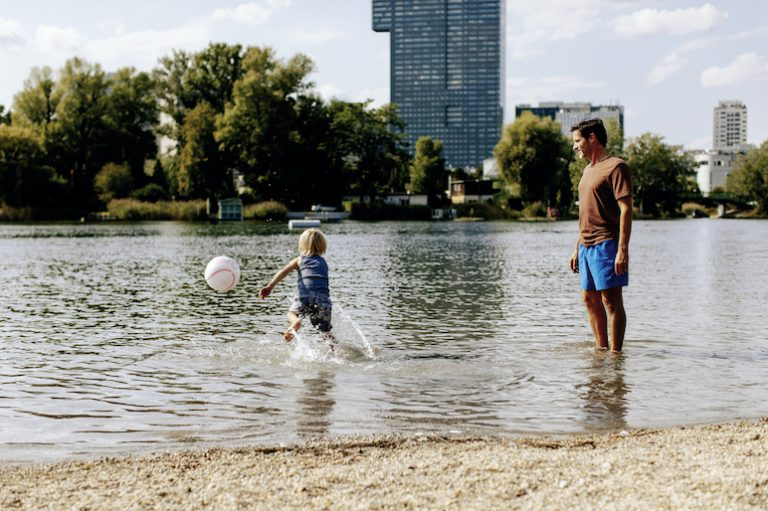 Guide to Vienna's Beaches and Swimming Pools